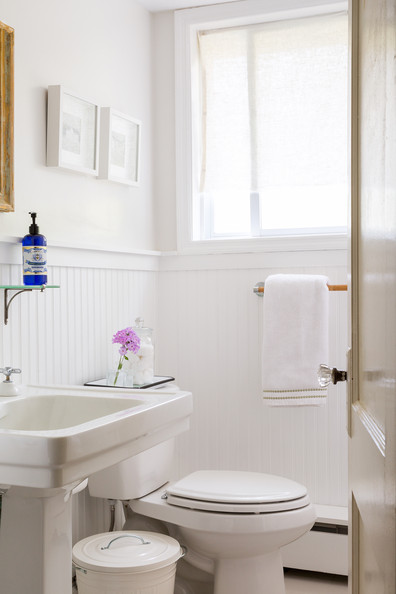 Bathrooms photos design ideas remodel and decor lonny for Bathrooms with wainscoting photos