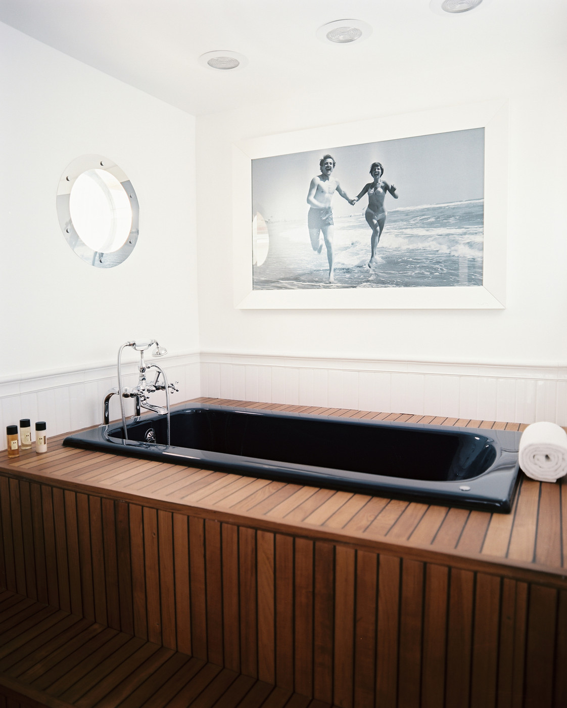 Wood Bathtub Photos, Design, Ideas, Remodel, and Decor - Lonny
