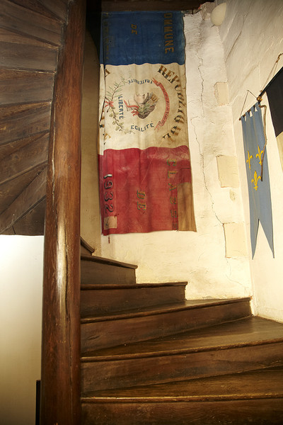 Rustic Staircase Photos (3 of 10)