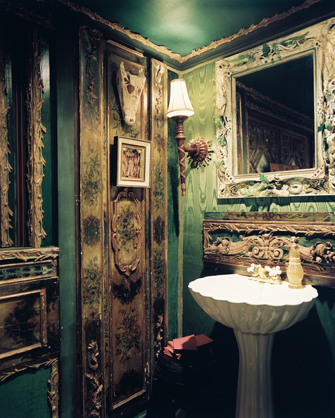 Ornate Bathroom Photos (1 of 1)