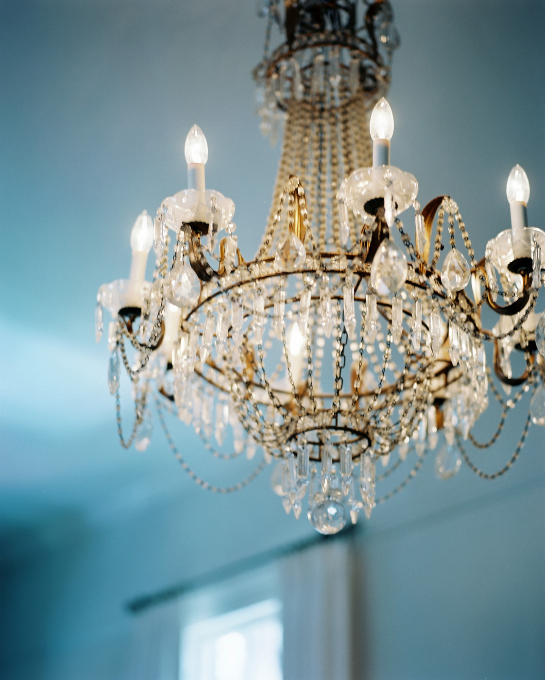 Antique chandelier photos design ideas remodel and for Chandelier mural antique