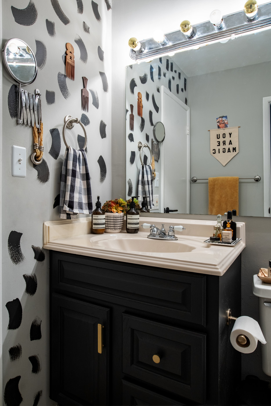 Eclectic Bathroom Photos Design Ideas Remodel And Decor Lonny
