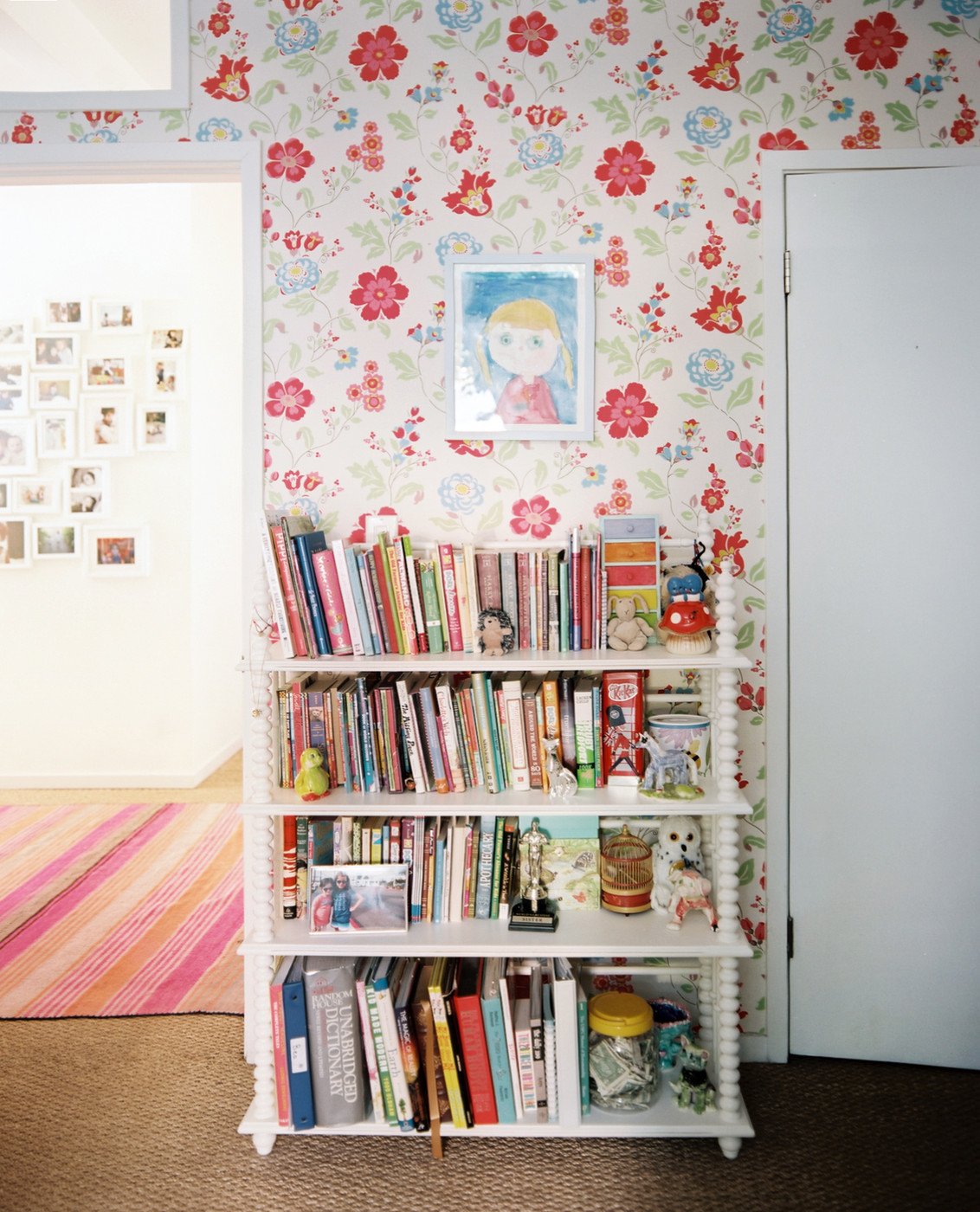 Vintage Kids Room: Vintage Bookshelf Photos (37 Of 43