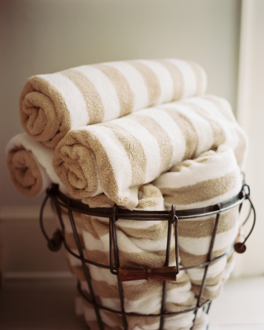 Towel Display Photos, Design, Ideas, Remodel, And Decor