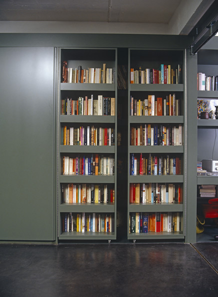 Built in bookcases photos 21 of 46 lonny - Contemporary built in bookshelves ...