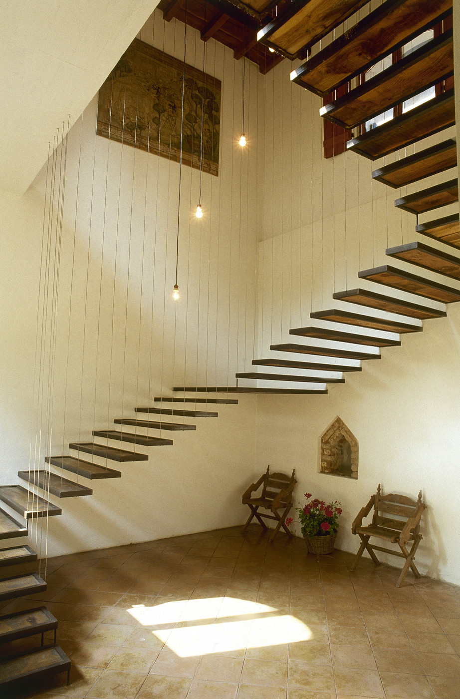 Suspended Stairs Photos Design Ideas Remodel And Decor Lonny