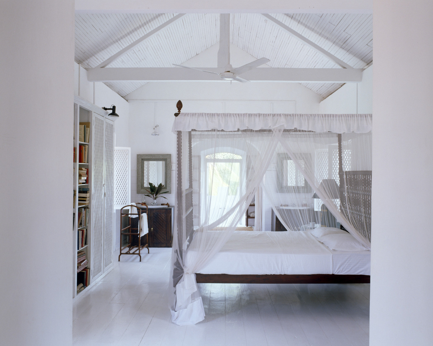 bed canopy photos