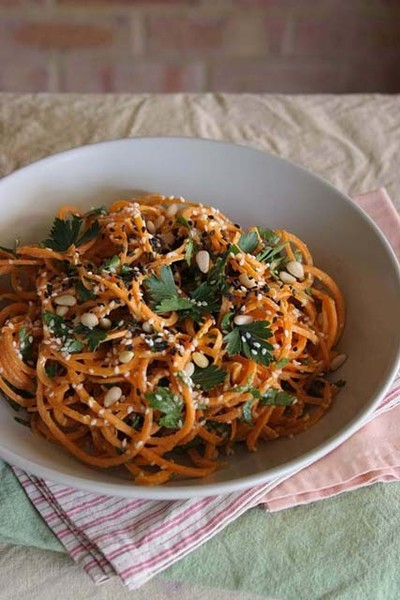 Carrot Pasta With Creamy Zesty Garlic Sauce