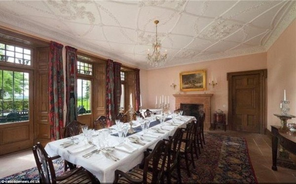 Taylor Swift's Dining Room