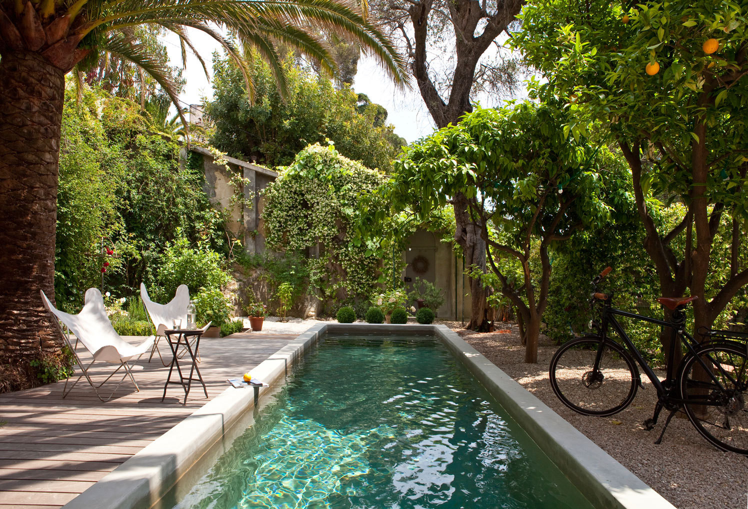 Swimming cool home tour an idyllic french riviera for Hire a swimming pool for the garden