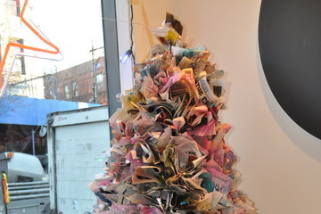 How to Make a Newspaper Christmas Tree