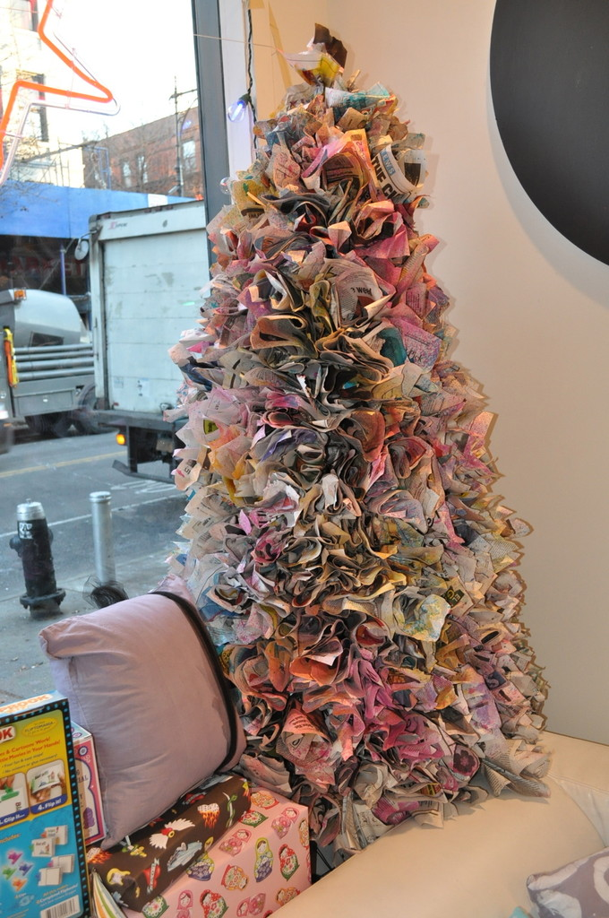 How To Make A Newspaper Christmas Tree Do It Yourself