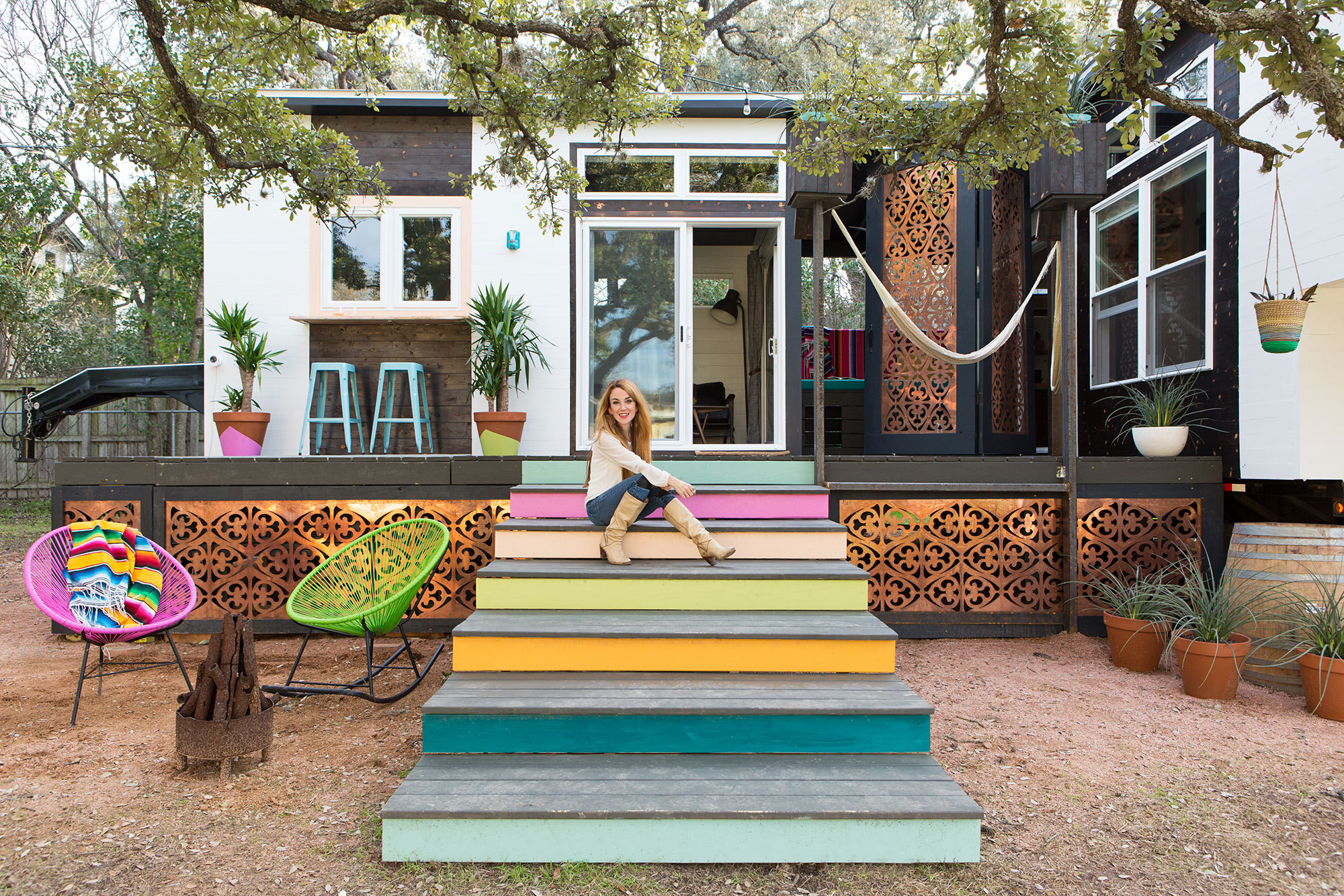 Tiny house in austin by kim lewis lonny for Small house design texas