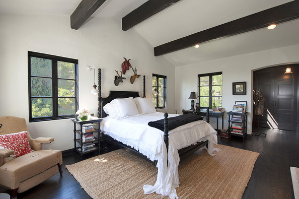 Sheryl crow 39 s spanish revival hollywood home celebrity home lonny How do you say master bedroom in spanish