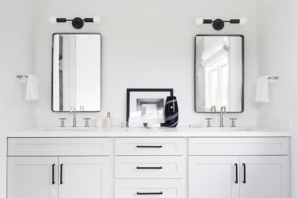 20 White Bathrooms That Give Sleek A New Meaning Lonny