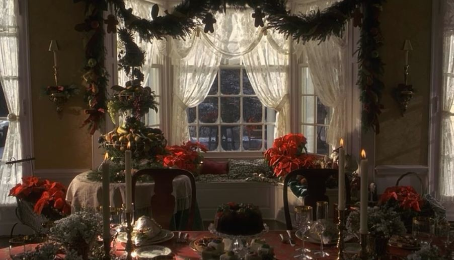 10 Holiday Decorating Ideas from the Christmas Movies We Love the Most