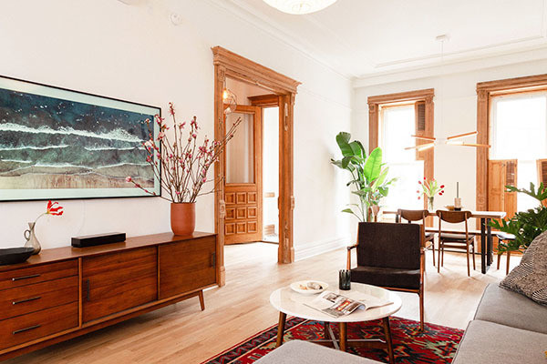 See How This DIY Duo Totally Transformed Their Tired Brooklyn Brownstone