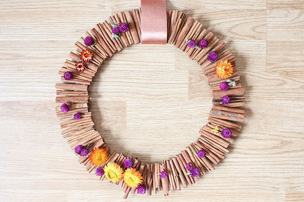 fall decorating how to make a cinnamon stick wreath do it yourself projects lonny