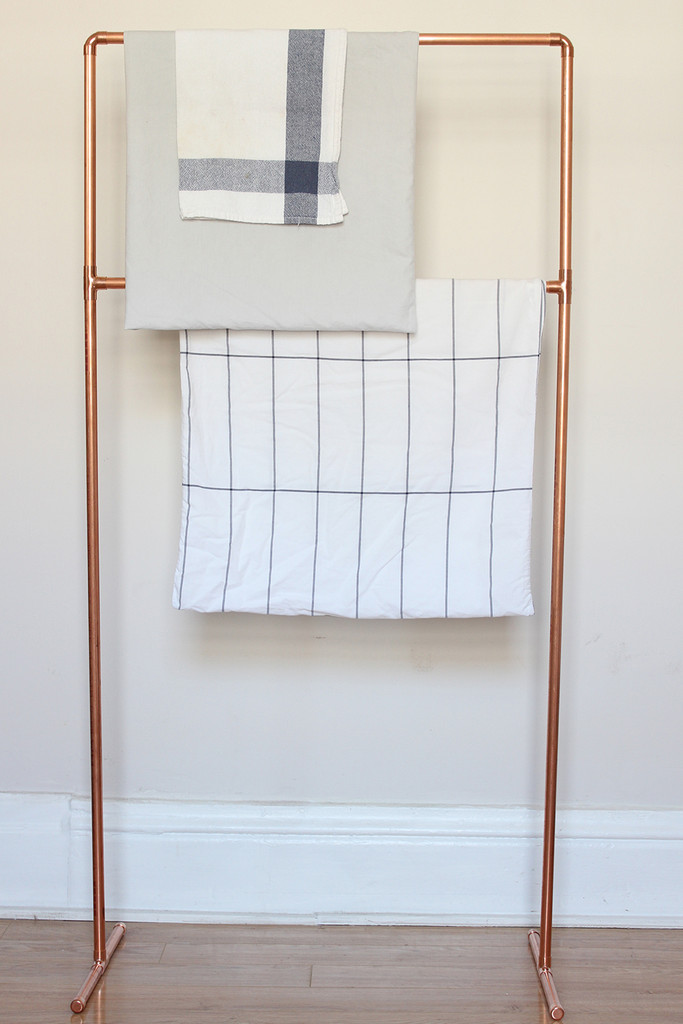 Hang Time Diy To Try Copper Pipe Towel Rack Lonny