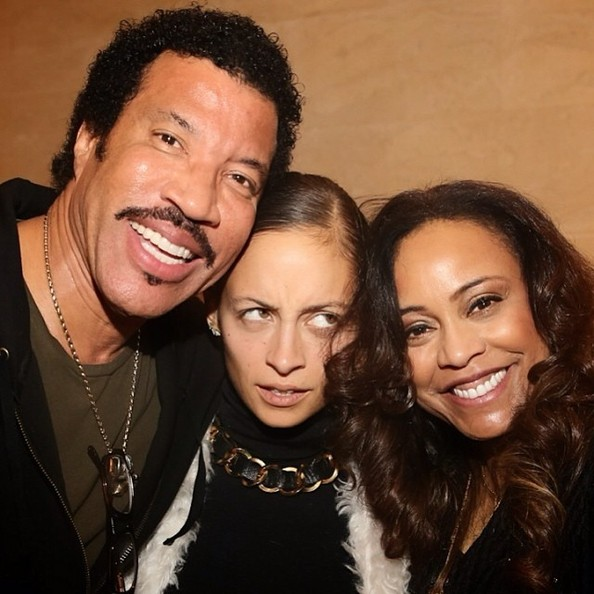 Nicole Richie Is Stuck In The Middle