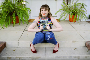 Tour Lena Dunham's Cute L.A. Home In Vogue's 73 Questions Video