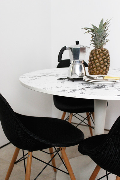 Faux Marble Tabletop