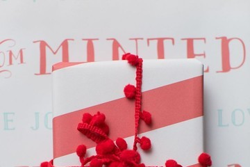 Minted's Holiday Crafting Party