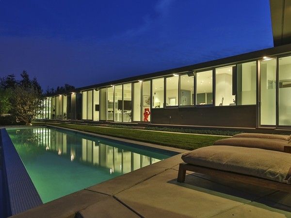 photo: house/residence of cool 30 million earning Los Angeles-resident