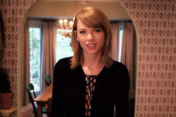 Take a Peek at Taylor Swift's Home and Find Out Where She Keeps Her VMA Moonman