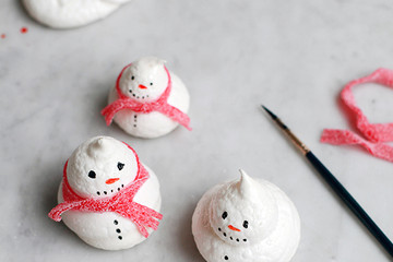 Holiday Baking: Snowman Meringue Cookies