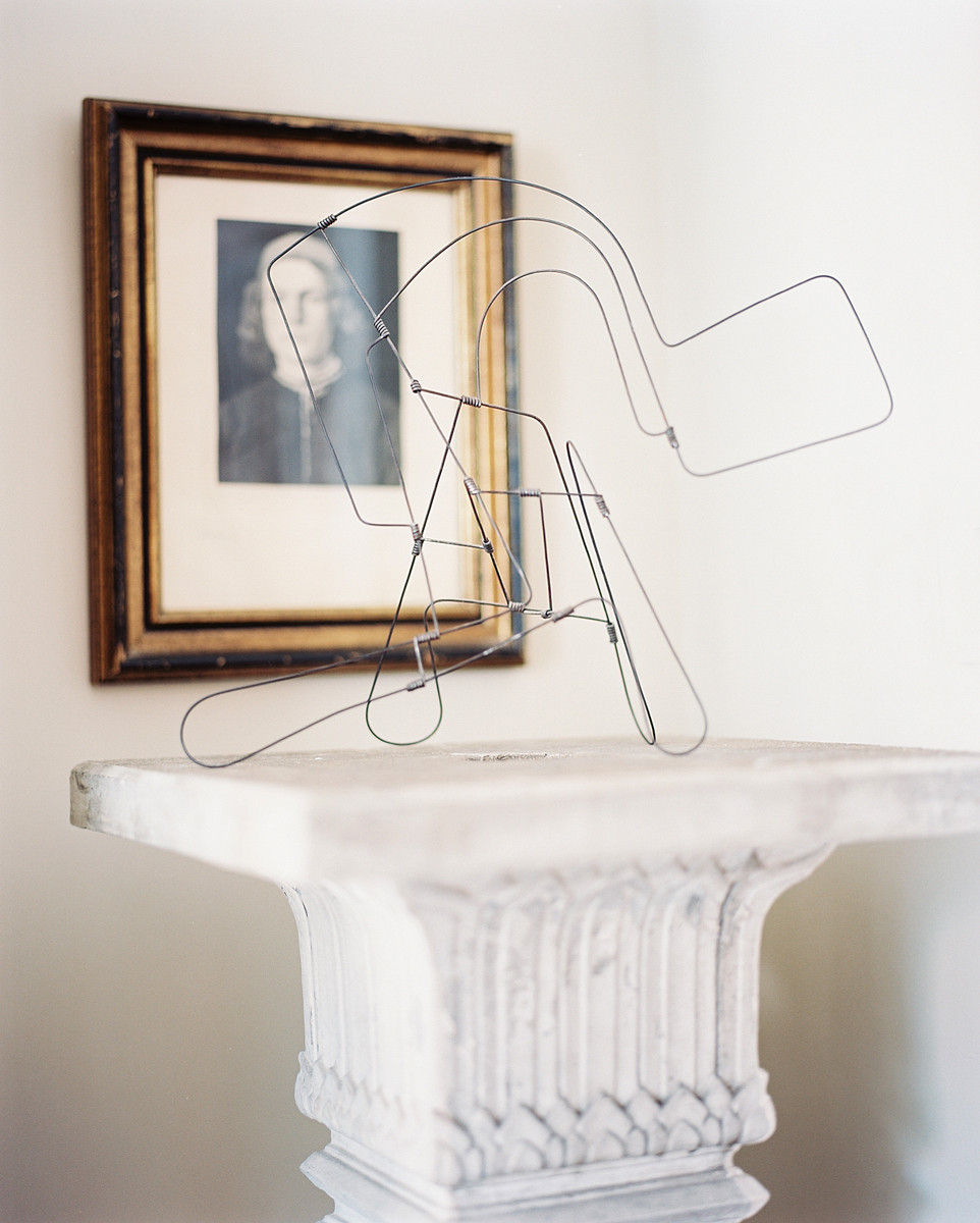 A wire objet takes the shape of a contemporary piece of art.