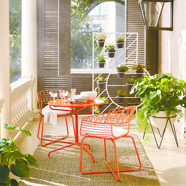 West Elm's New Catalog Brings On The Summer Vibes