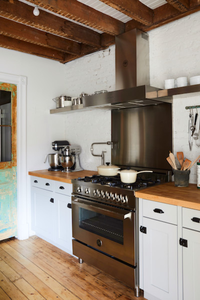 Painted Bricks Kitchen Backsplashes That Ll Inspire You To