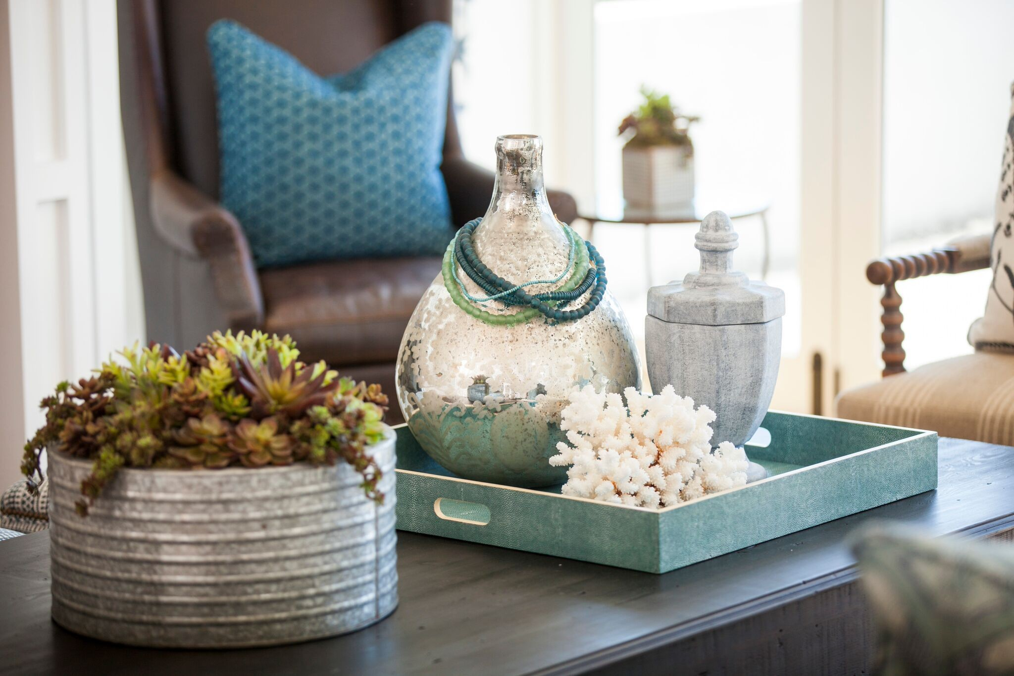 6 tips for decorating with coastal style year round decorating lonny - Home decorated set ...