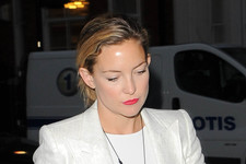Kate Hudson Steps Out in All White
