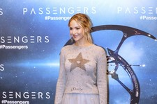 Look of the Day: Jennifer Lawrence's Mix-and-Match Ensemble