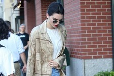 Look of the Day: Kendall Jenner's Model-Off-Duty Style