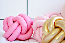 DIY To Try: Knot Pillow