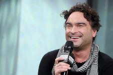 'Big Bang Theory' Star Johnny Galecki Shares Message of Hope After Losing Home in Massive Fire