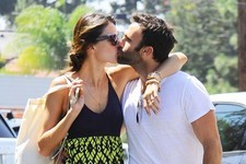 Alessandra Ambrosio and Her Fiancé Pack on the PDA